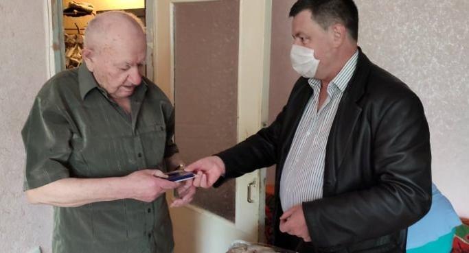 В Северодонецке 130 ветеранов получили подарки, фото-9