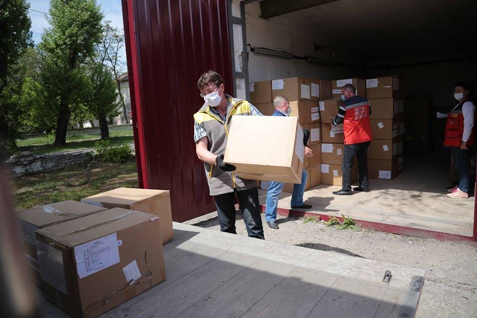 Медики Луганской области получили гуманитарный груз, фото-2