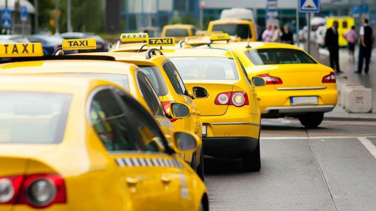 Кабинет Министров сделал подарок таксистам, фото-1