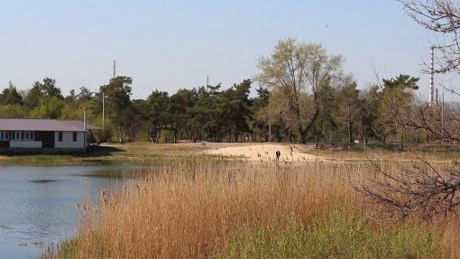 Территория вокруг Паркового озера теперь освещается, фото-1