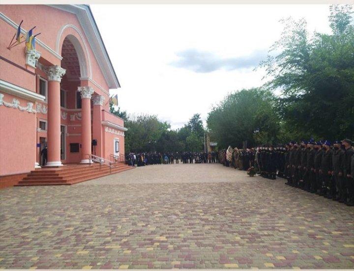 В Северодонецке прощаются с погибшим комбатом Сергеем Губановым, фото-1