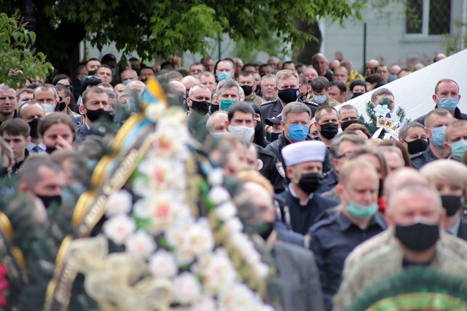 В Северодонецке прощаются с погибшим комбатом Сергеем Губановым, фото-3