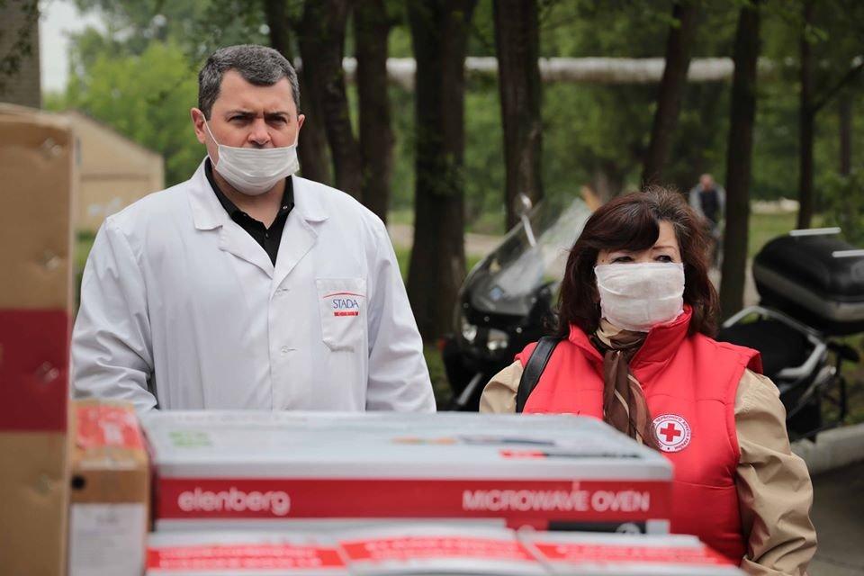 Медики Луганщины получили бытовую технику от Красного Креста, фото-1