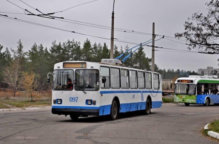 В Северодонецке патрульные взялись за  проверку технического состояния троллейбусов, фото-1