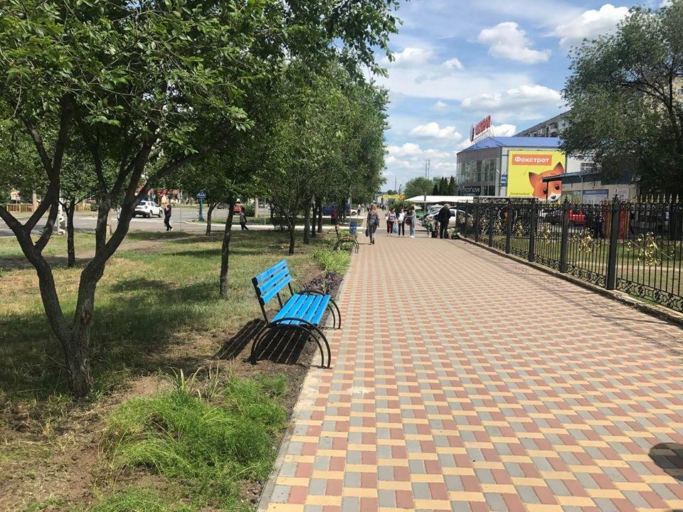 В Северодонецке установили новые лавочки, фото-3