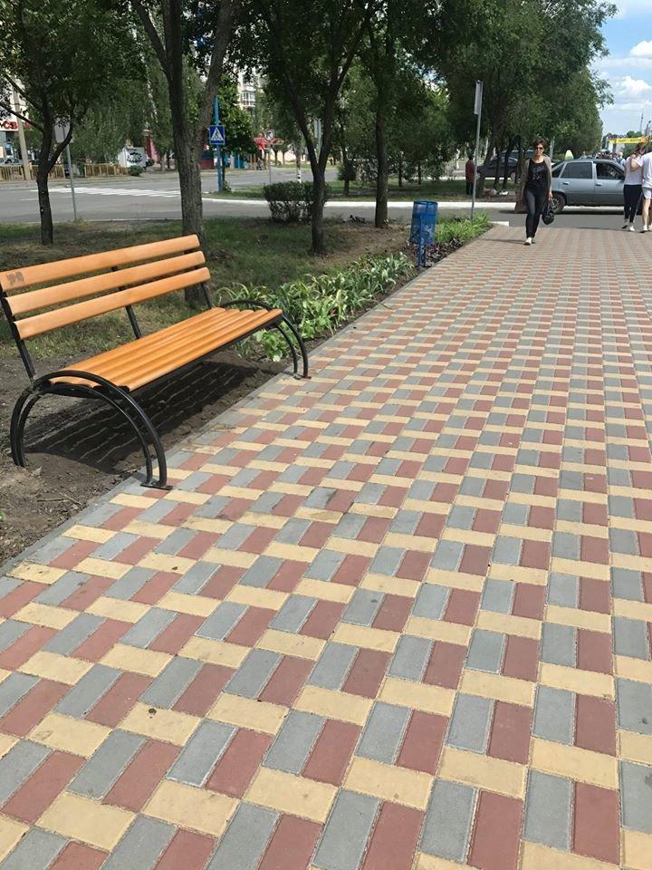 В Северодонецке установили новые лавочки, фото-4