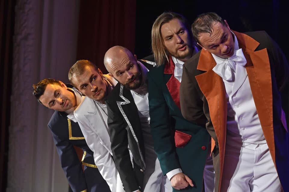 Луганский областной драмтеатр возобновляет сезон с символической постановки, фото-3