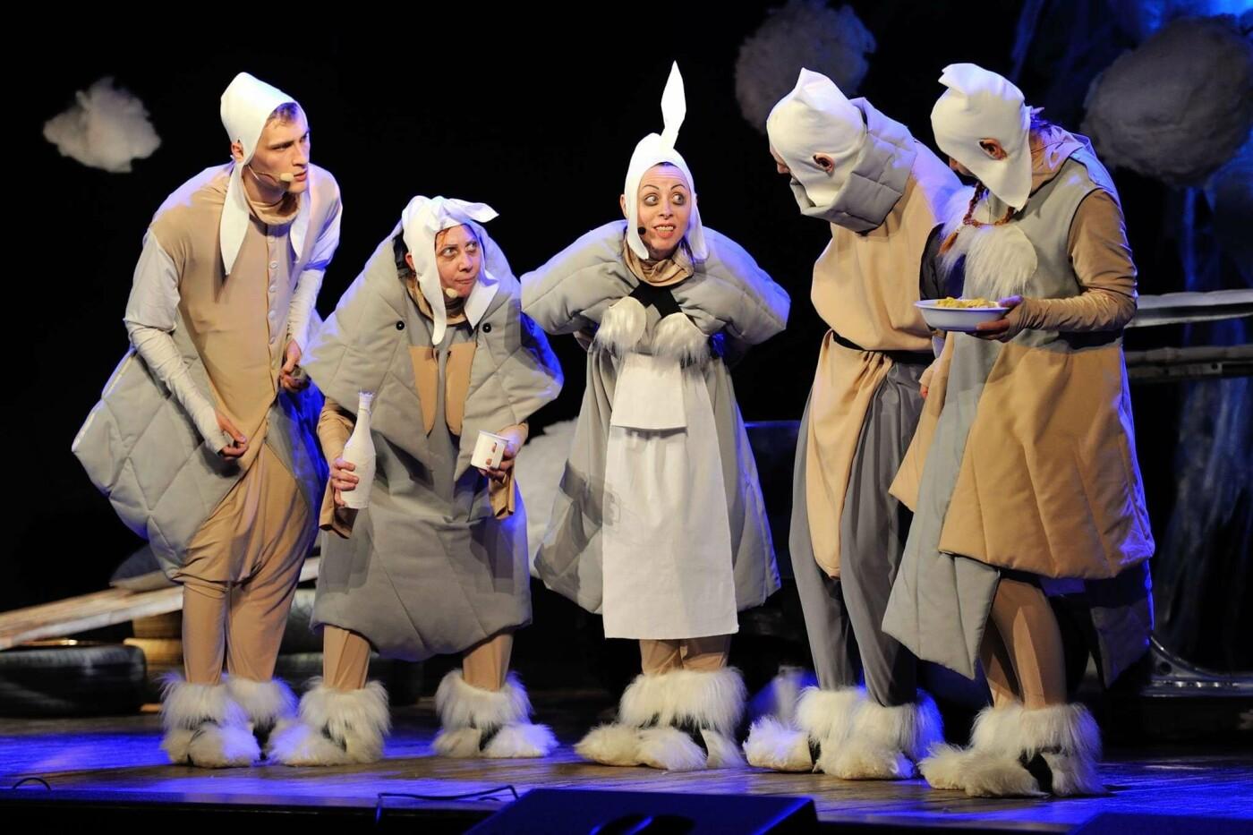 Луганский областной драмтеатр возобновляет сезон с символической постановки, фото-5