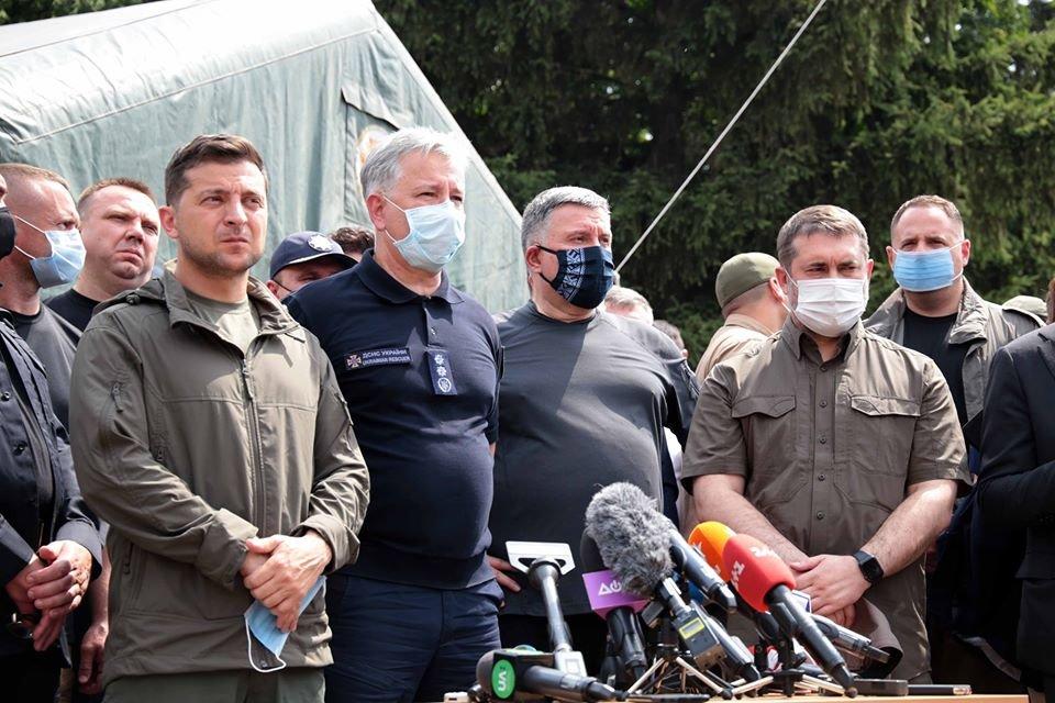 Пострадавшим во время пожара на Луганщине будет выделено по  300 тысяч гривен, фото-1