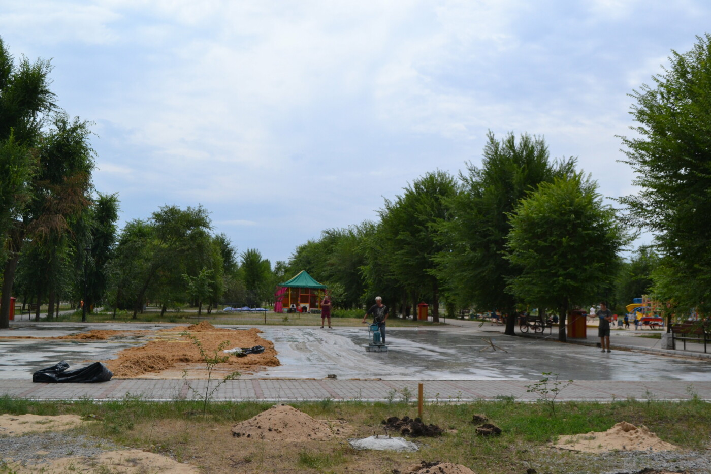 В Северодонецке шлифуют поверхность будущего скейт-парка (фото, видео), фото-2