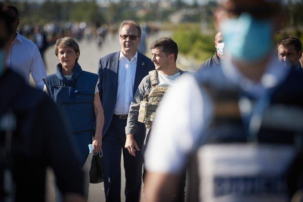 Президент Украины посетил Луганскую область, фото-2