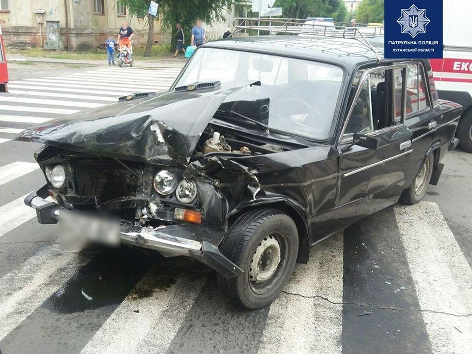 В Северодонецке на перекрестке столкнулись два автомобиля, фото-1