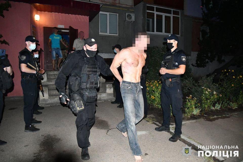 На Луганщине задержали мужчину, который угрожал взорвать квартиру, фото-3