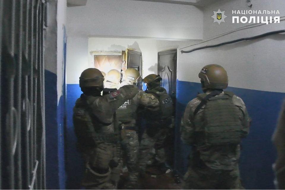 На Луганщине задержали мужчину, который угрожал взорвать квартиру, фото-2