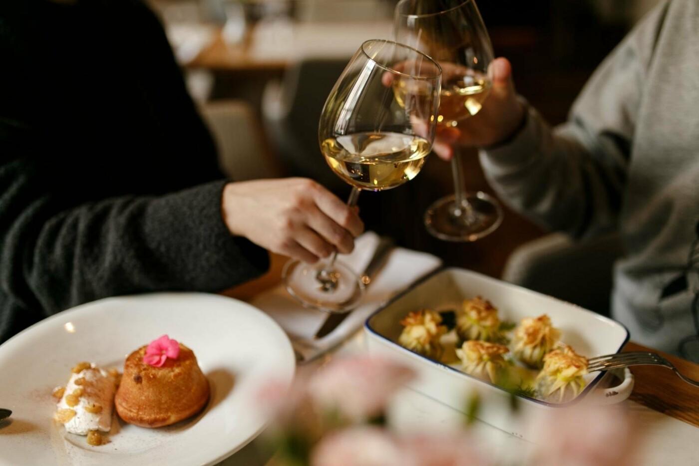 Романтика осеннего Северодонецка: топ городских кафе для идеального свидания, фото-1