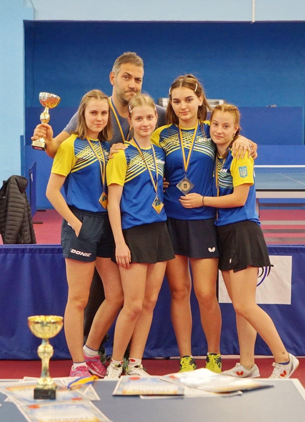 Спортсменки Северодонецка  в составе сборной области выиграли Чемпионат Украины по настольному теннису , фото-3