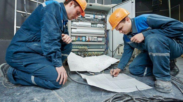 Куда пойти работать? ТОП-7 самых высокооплачиваемых профессий Луганщины, фото-1