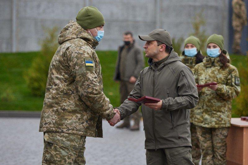 На Луганщине Президент Украины ознакомился с работой пограничников, фото-4