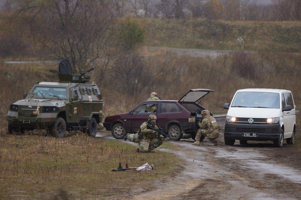 На Луганщине Президент Украины ознакомился с работой пограничников, фото-1