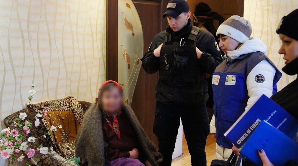 Работа бригады социально-психологической помощи в Северодонецке. Фото: Полиция Луганщины