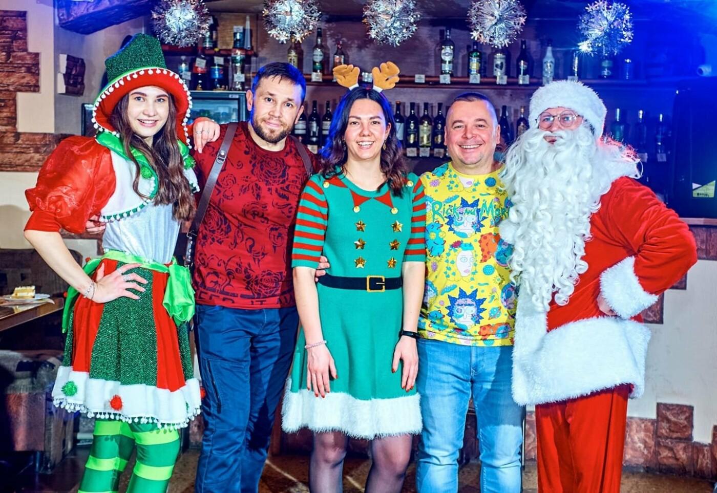 Как жители Луганщины отметили Новый год: ТОП фото из соцсетей, фото-1