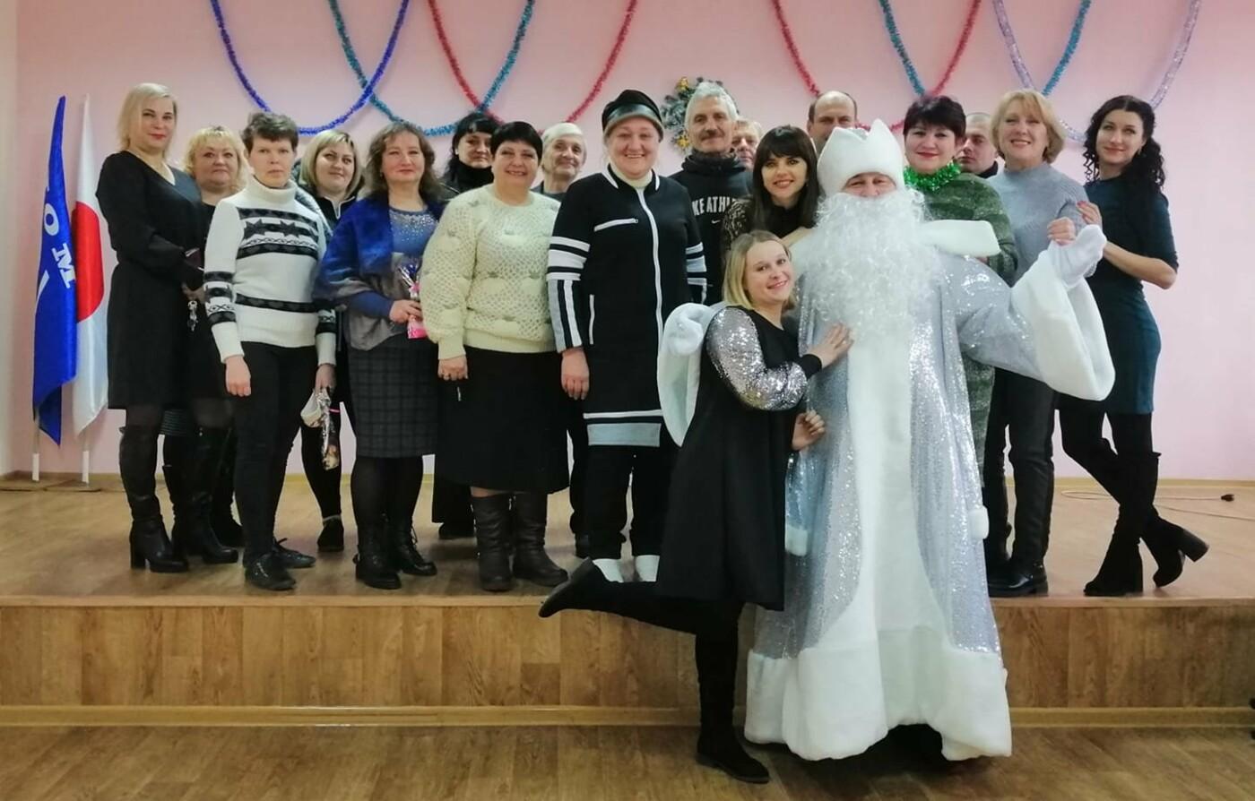 Как жители Луганщины отметили Новый год: ТОП фото из соцсетей, фото-3