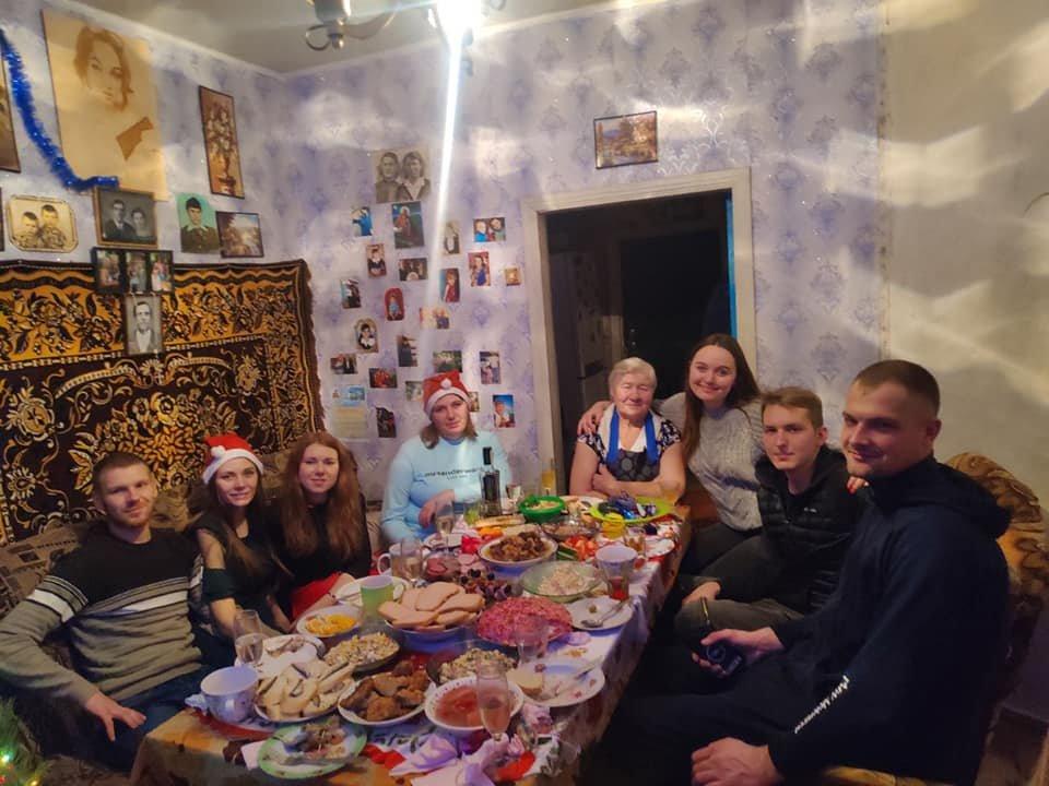 Как жители Луганщины отметили Новый год: ТОП фото из соцсетей, фото-6
