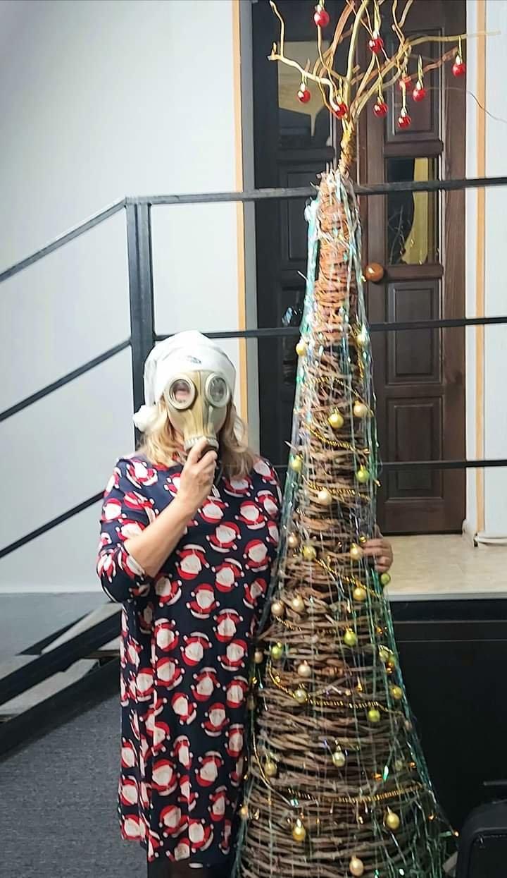 Как жители Луганщины отметили Новый год: ТОП фото из соцсетей, фото-16