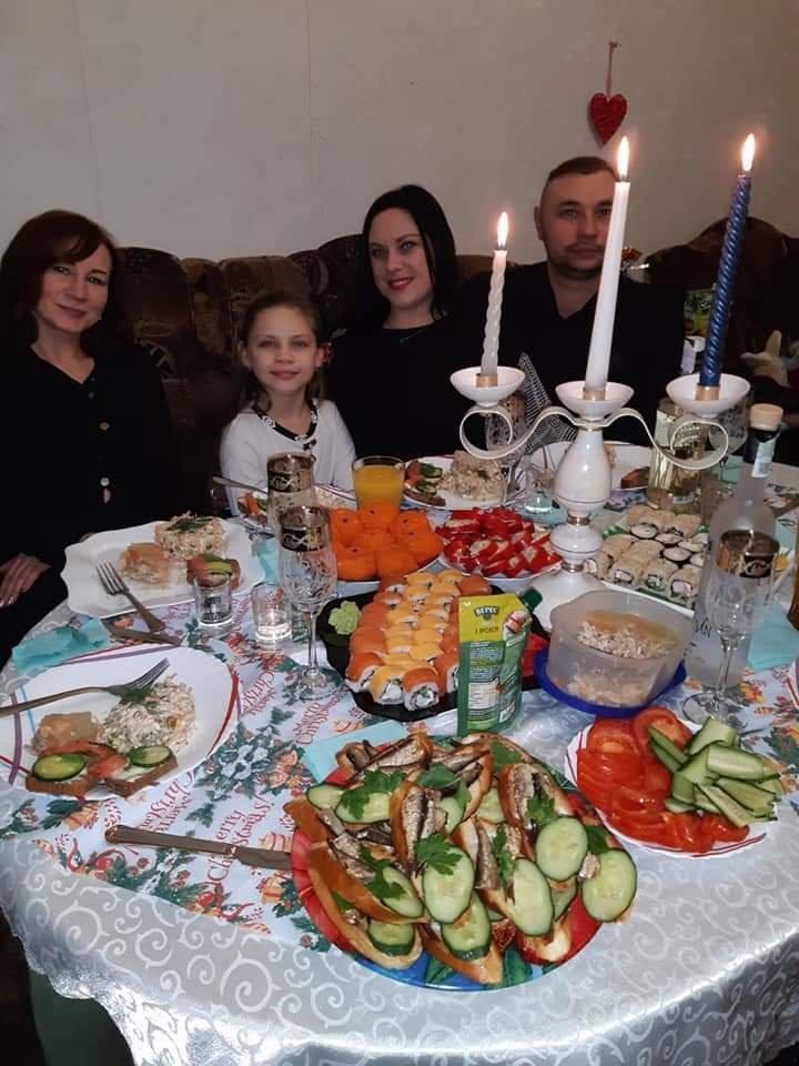 Как жители Луганщины отметили Новый год: ТОП фото из соцсетей, фото-27