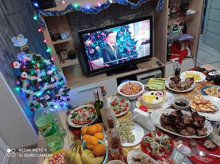 Как жители Луганщины отметили Новый год: ТОП фото из соцсетей, фото-30