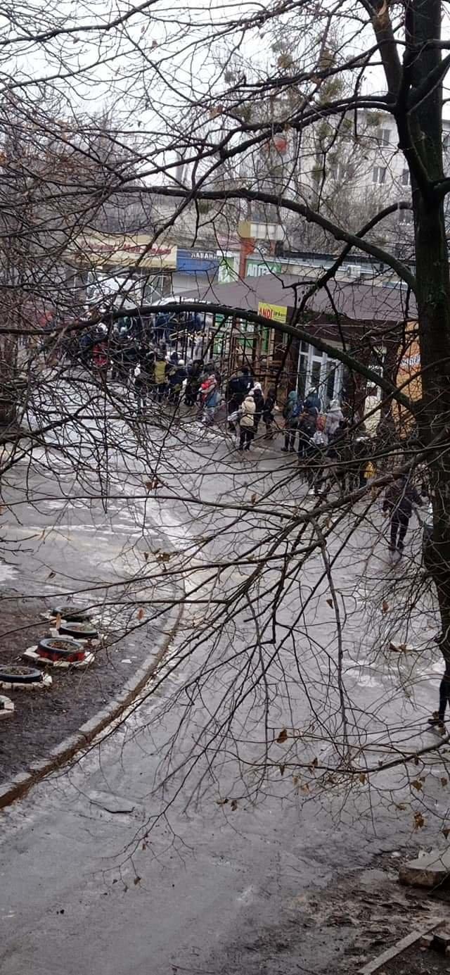 На Луганщине гололед усложнил работу общественного транспорта (фото), фото-5
