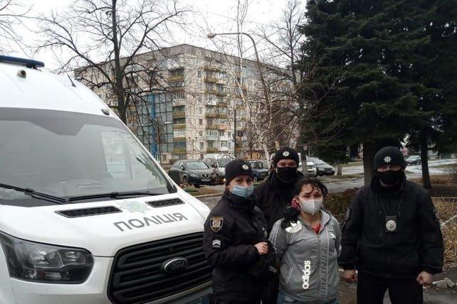 На Луганщине задержали рецидивистку которая избила металлической трубой пожилого мужчину, фото-1