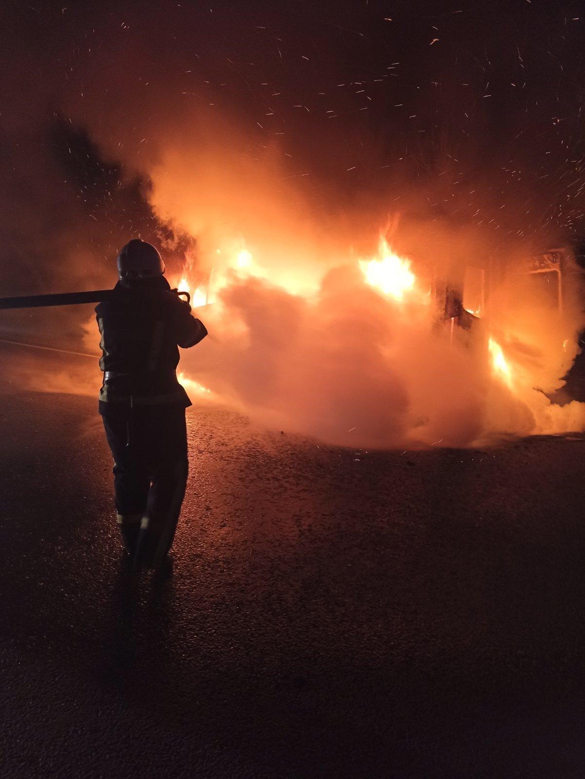 На Луганщине  во время движения загорелся автомобиль скорой помощи (фото) , фото-2