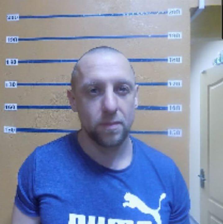 Розыск опасного преступника: На Луганщине мужчина бросил в полицейских гранату , фото-1
