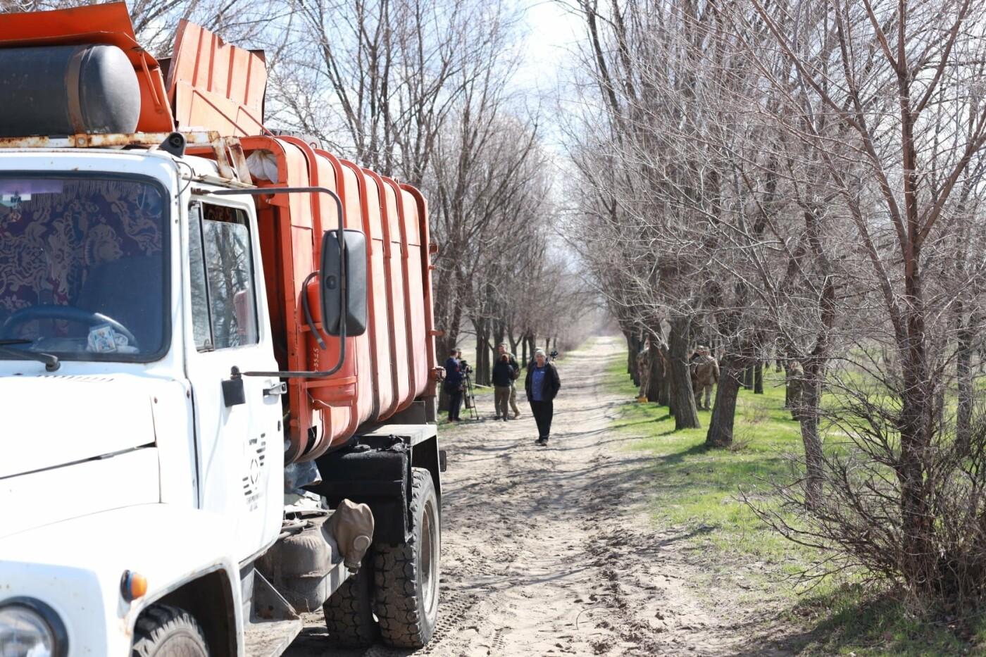 Северодончане приняли участие во всеукраинской акции «За чистую окружающую среду» (фото) , фото-10
