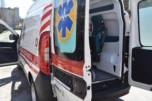 Северодонецка больница пополнилась собственным спецавтомобилем скорой помощи, фото-4